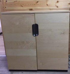 צביעת רהיטים מעץ בתנור